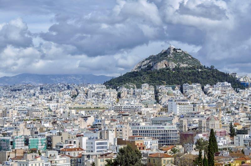 Lycabettus,是白垩纪石灰石小山在雅典,希腊 免版税库存照片