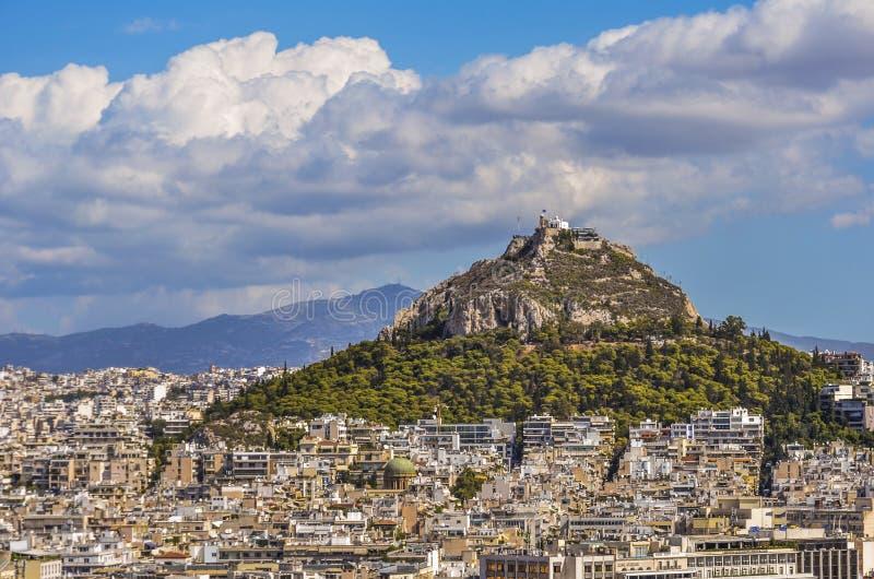 Lycabettus di Monte e città di Atene fotografie stock libere da diritti