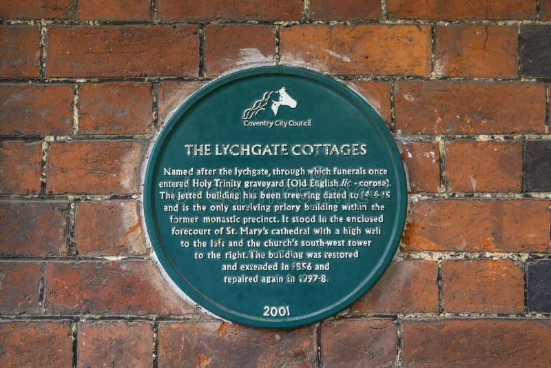 Lychgate村庄匾在考文垂 免版税库存照片