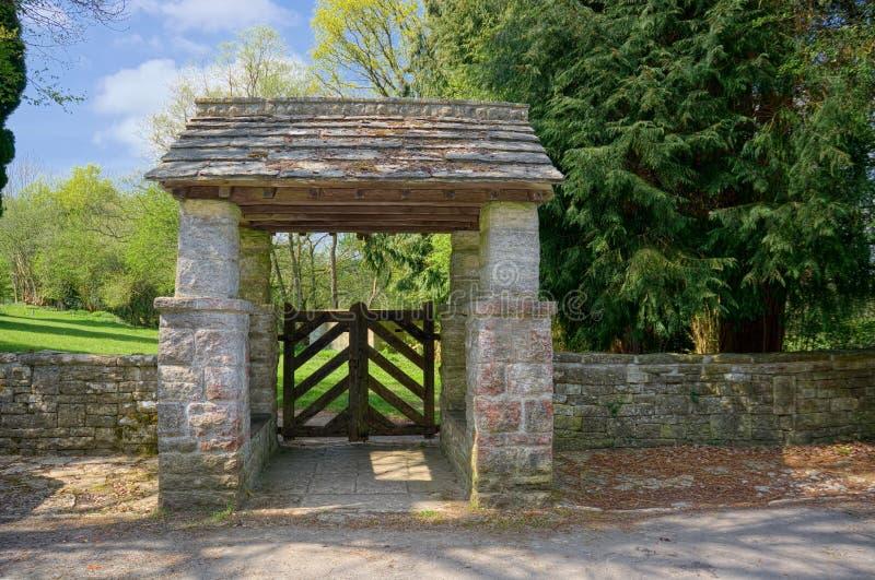 lychgate 圣托马斯传道者公墓,Groombridge,英国 库存图片