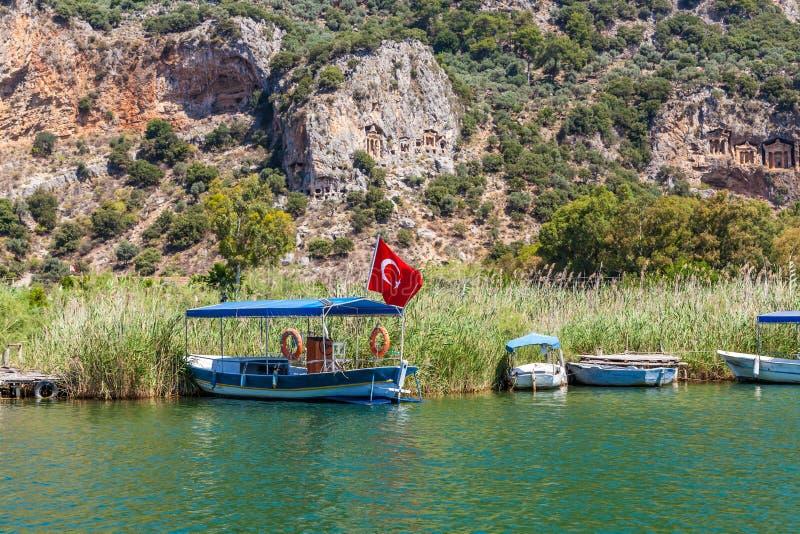 Lycian grobowowie w górach na Dalyan rzece, Turcja fotografia stock