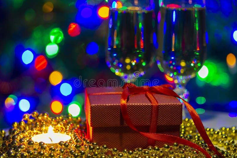 lyckönsknings- foto för ferie med cristal exponeringsglas och ljus royaltyfria foton