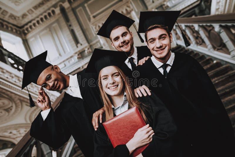Lycka diplom Bästa vän Fullföljandestudier arkivfoton