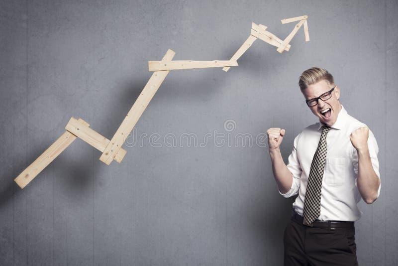 Lyckad affärsman glädjande. arkivbilder