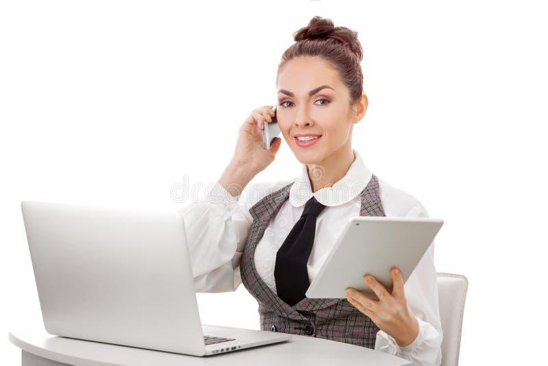 lyckad kvinnaworking för affär royaltyfri foto