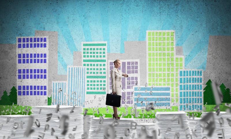 Lyckad säker affärskvinna i dräkt stock illustrationer