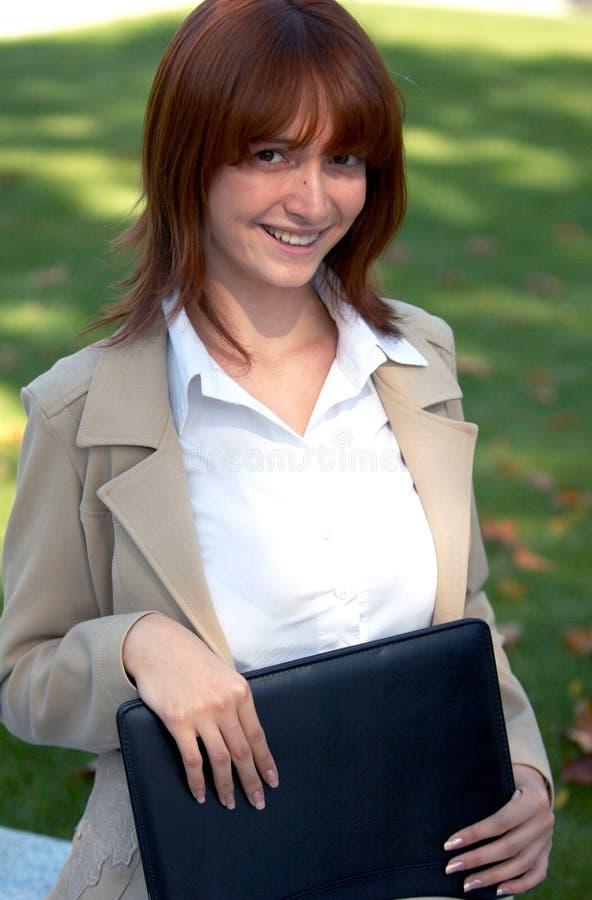 lycklig affärskvinna 2 arkivbild