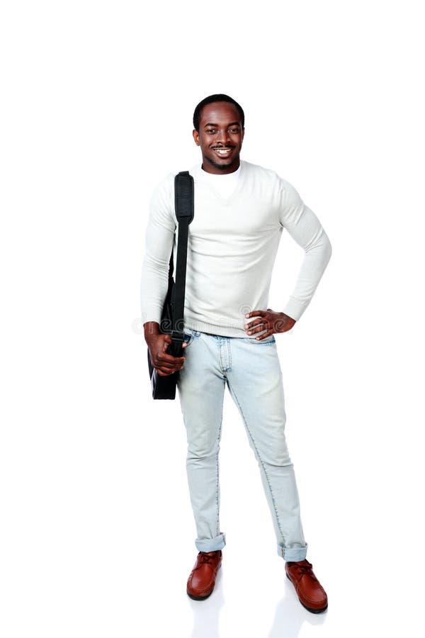 Lycklig afrikansk man med påseanseende arkivfoton
