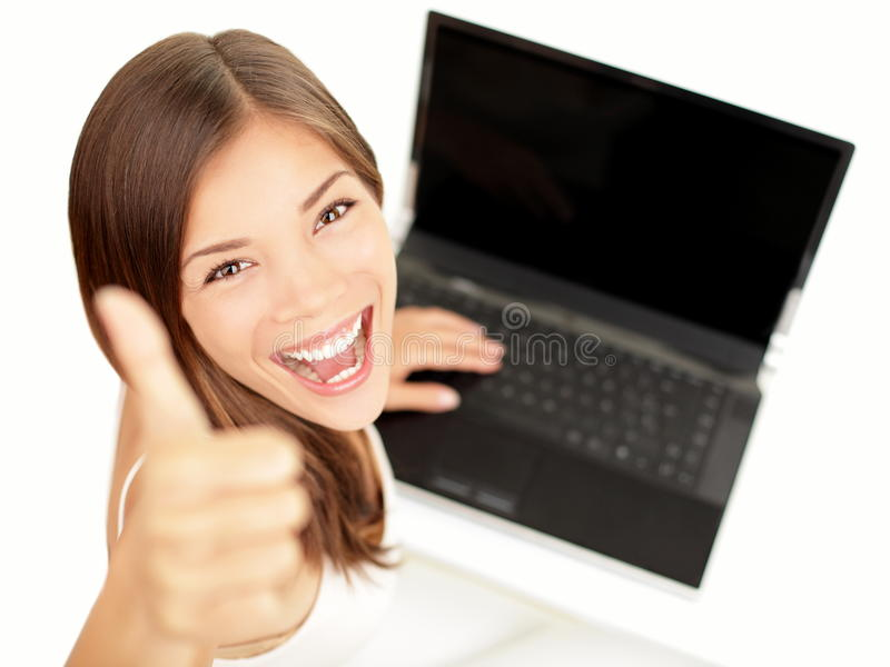 lycklig bärbar datorkvinna royaltyfri fotografi