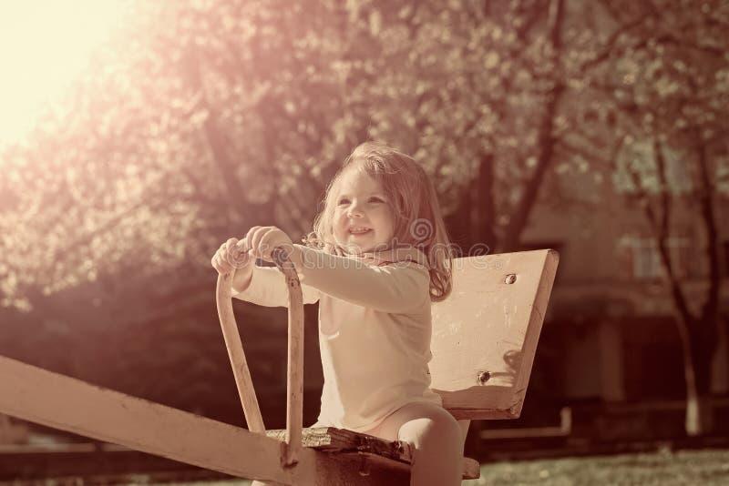 Lycklig barndom, aktivitet, livsstil fotografering för bildbyråer