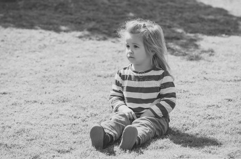 lycklig barndom Barndomaktivitet, fritid, livsstil royaltyfri bild