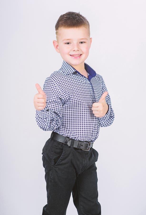 lycklig barndom fashion ungar Sm?f?retagare Aff?rsskola S?ker pojke Uppfostran och utveckling pojke little royaltyfria bilder