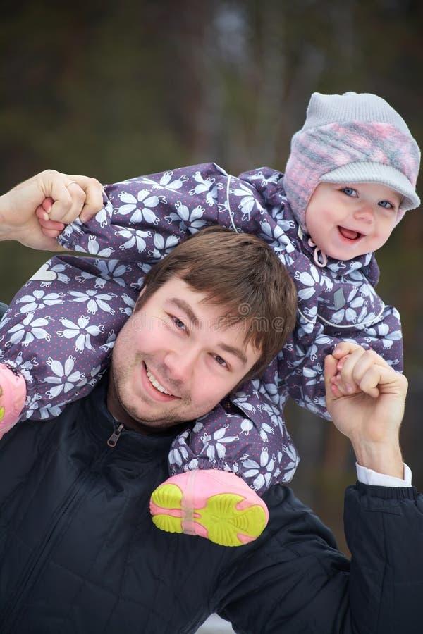 lycklig barnfader hans little royaltyfri foto