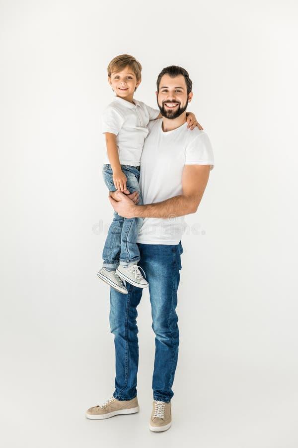 Lycklig fader och son tillsammans royaltyfri fotografi