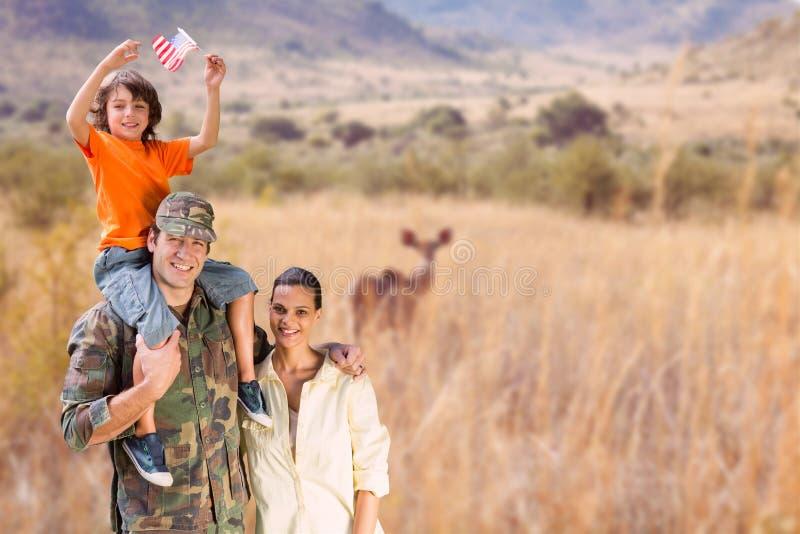 Lycklig familj i en safari royaltyfria foton