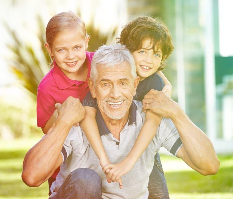 lycklig farfar royaltyfri fotografi