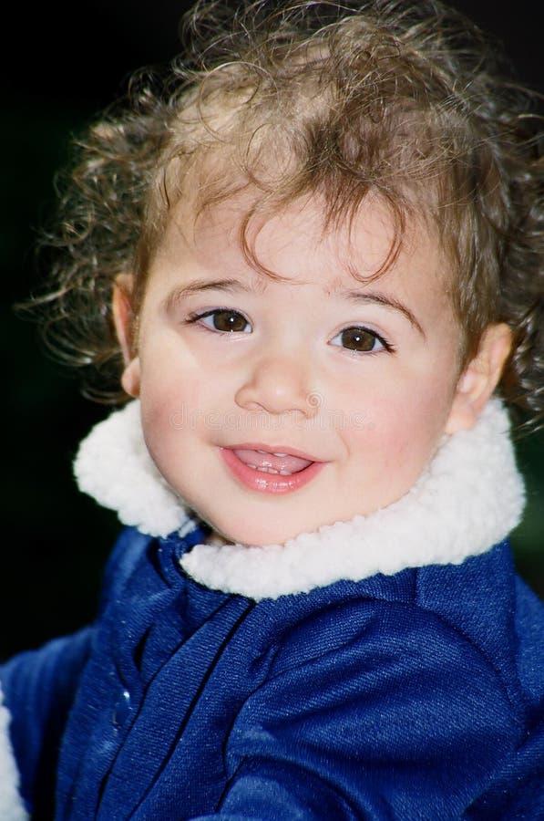lycklig gullig flicka little royaltyfria foton