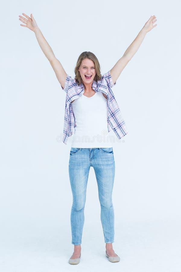 Lycklig hipster som ler på kameran arkivbild