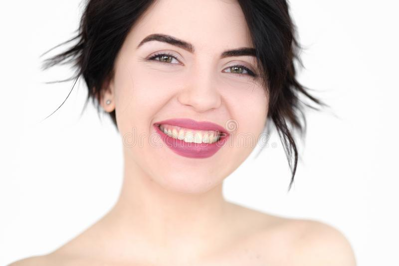 Lycklig le glad förtjust kvinna för sinnesrörelseframsida arkivfoton