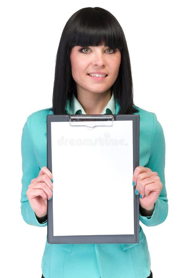 Lycklig le tom signboard för ung affärskvinnavisning fotografering för bildbyråer