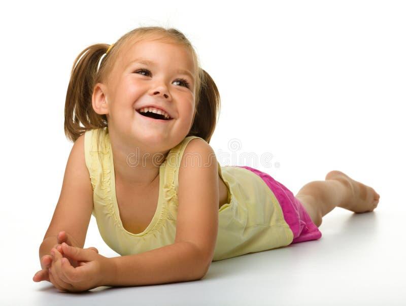 lycklig liten stående för flicka royaltyfri foto