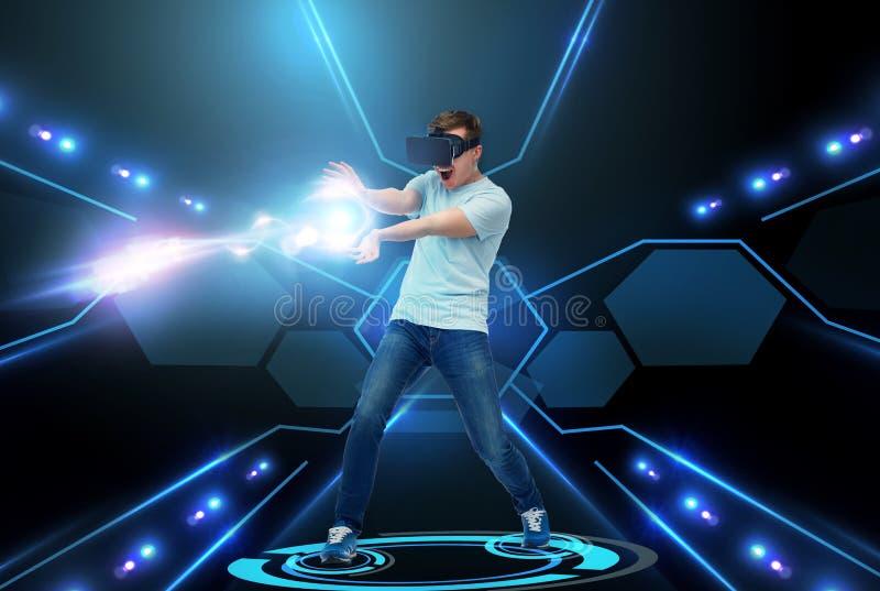 Lycklig man i virtuell verklighethörlurar med mikrofon eller exponeringsglas 3d stock illustrationer