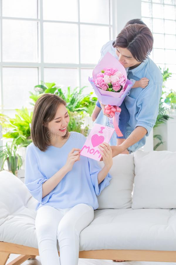 lycklig moder f?r dag royaltyfria bilder