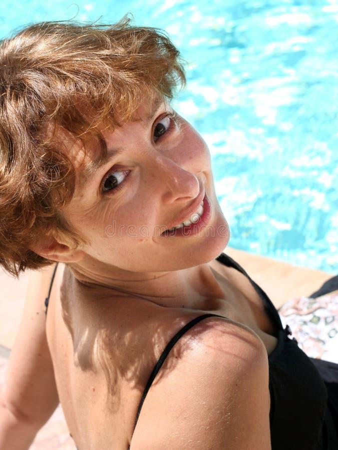 lycklig mogen kvinna royaltyfri fotografi