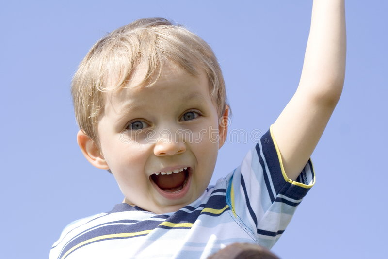 lycklig pojke royaltyfri bild