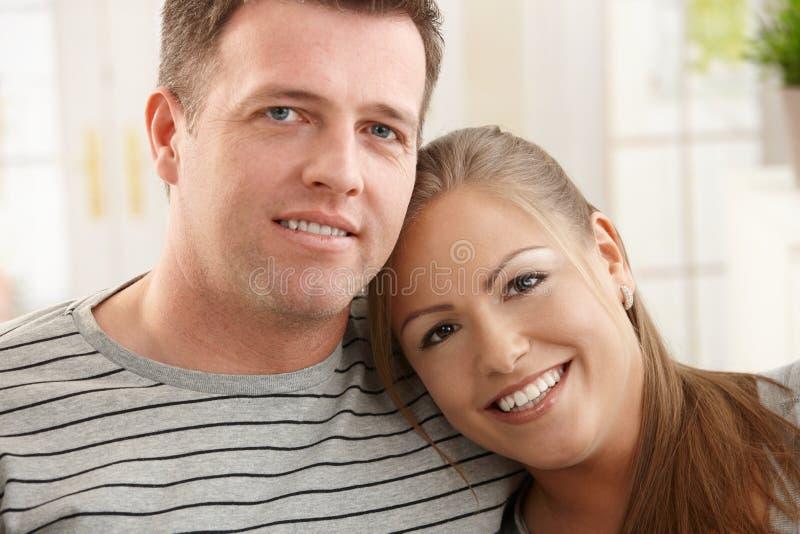 lycklig portait för par fotografering för bildbyråer