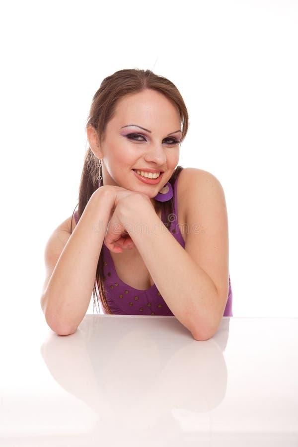 lycklig posera kvinna royaltyfri bild