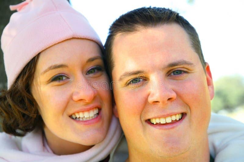lycklig romantiker för par fotografering för bildbyråer