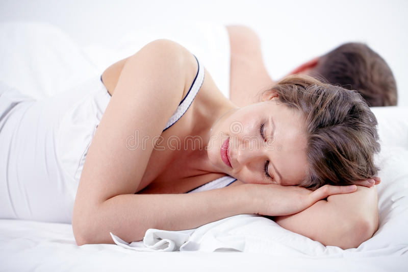 lycklig sömn arkivbilder