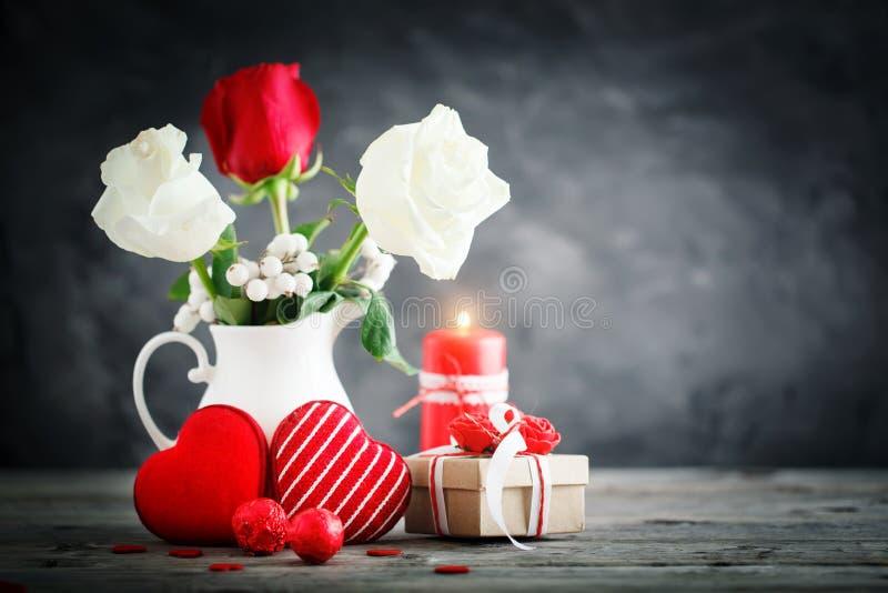 lycklig s valentin för dag Lyckönsknings- bakgrund vid dag för St-valentin` s royaltyfria bilder