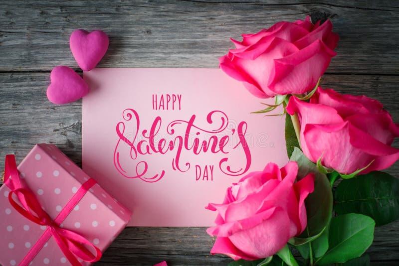 lycklig s valentin för dag Lyckönsknings- bakgrund vid dag för St-valentin` s fotografering för bildbyråer