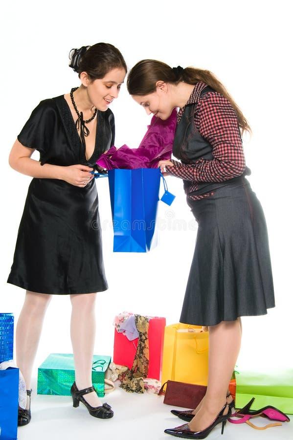 lycklig shopping royaltyfria foton