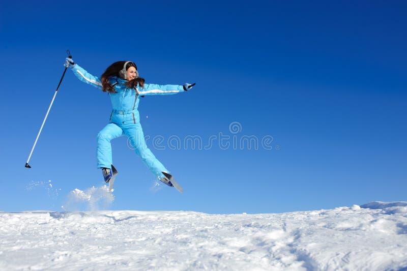 lycklig skier arkivbild
