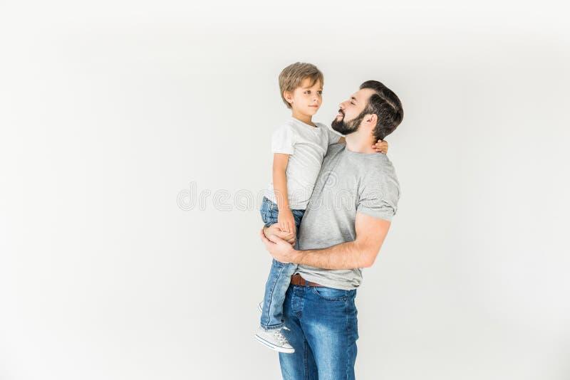 lycklig son för fader arkivfoton