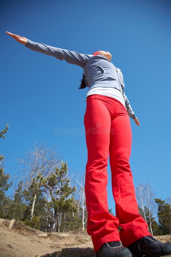 lycklig sportig kvinna fotografering för bildbyråer