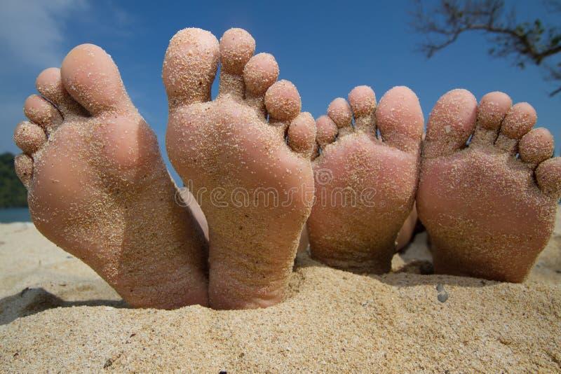 lycklig strandfot royaltyfri fotografi