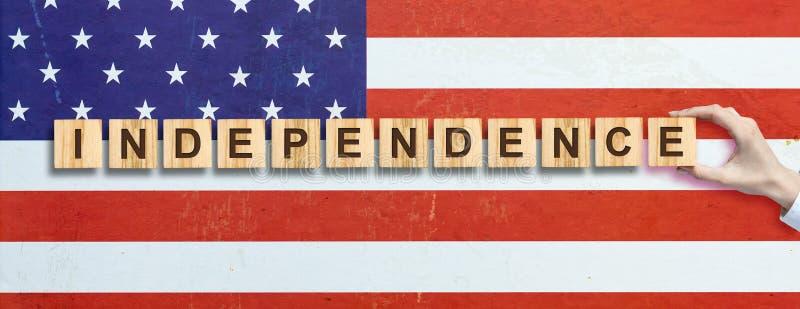 Lycklig 4th av Juli bakgrund SjälvständighetsdagenAmerikas förenta staterbakgrund Inskriften på bakgrunden av USA royaltyfri foto