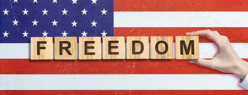 Lycklig 4th av Juli bakgrund SjälvständighetsdagenAmerikas förenta staterbakgrund Inskriften på bakgrunden av USA arkivfoton