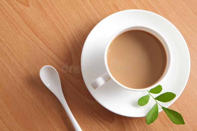 lycklig tid för kaffe arkivbild