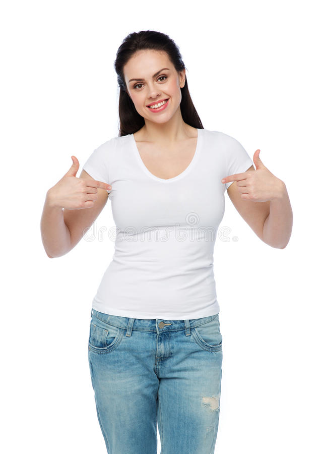 Lycklig ung kvinna eller tonårs- flicka i den vita t-skjortan fotografering för bildbyråer
