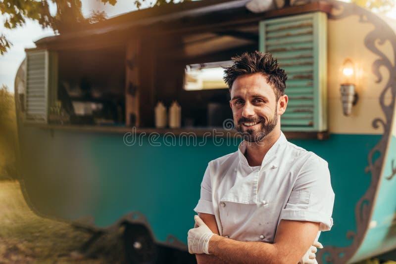 Lycklig ung matlastbilägare royaltyfria foton