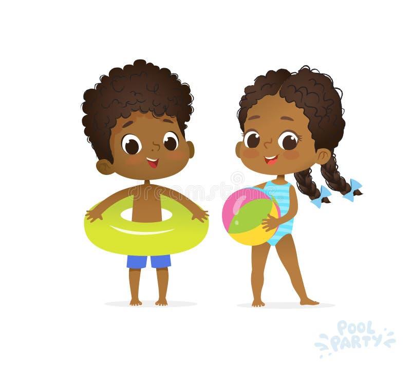 Lyckliga afro- amerikanska barn i simbassäng Pojke och flicka i baddräktlopp till sommarvattenlägret Vän på havsstranden vektor illustrationer