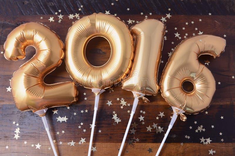 Lyckliga 2016 ballonger för nytt år arkivbilder