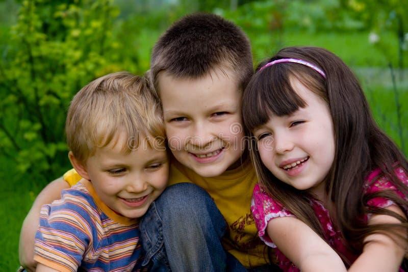lyckliga barn royaltyfri fotografi