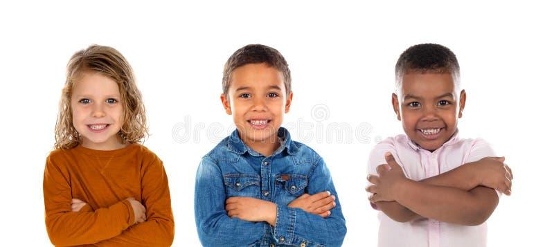 Lyckliga barn som ser kameran arkivfoton