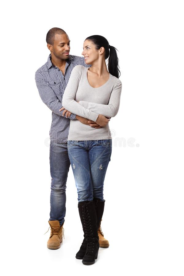 Lyckliga interracial älska par fotografering för bildbyråer